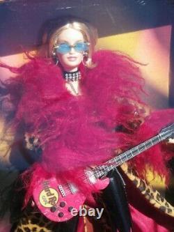 Barbie HARD ROCK CAFE 2003 Mattel B2509 pin's guitare flamme MUSIQUE boite NRFB