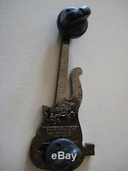 Hard Rock Cafe Hollywood Cloud Guitar Pin Yellow Rare