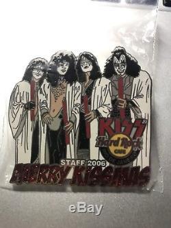 Hard Rock Cafe RIO DE JANEIRO Xmas KISS Paul Gene STAFF pin Merry Kissmass