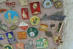 Vintage Pins Lot of Approx. 125 Hard Rock Cafe San Diego Zoo Great Wall Santa