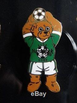 Ensemble Très Rare De Broche De Café De Roche Dure De 9 Équipes Japonaises D'ours De Football De Fifa 2002