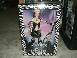 Hard Rock Cafe Poupée Barbie # 2 En Cuir Noir Avec Rose Guitare Nrfb 2004