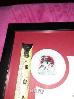 Joe Petruccio A Signé #d Hard Rock Park Framed Pin Set Rare Rocksie's Reggae Fall