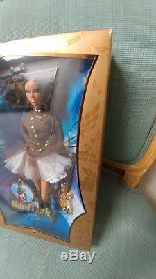 Nrfb 2007 Barbie Hard Rock Café Aa Afro-américain Gold Label Poupée Et Guitare
